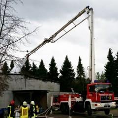 Brand in einer Produktions- und Lagerhalle