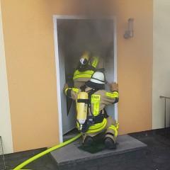 Drei Verletzte bei Kellerbrand